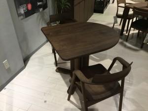 変型テーブル