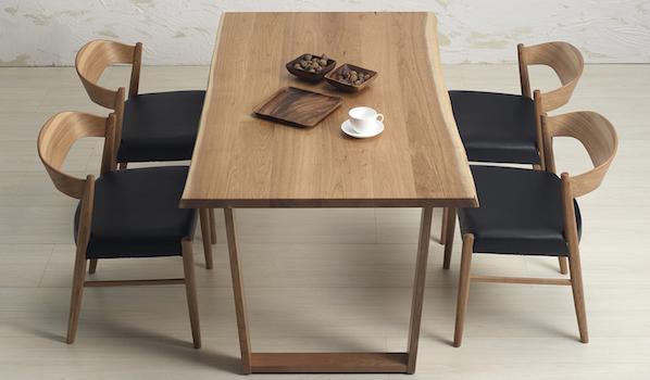 サイズオーダーできる無垢材テーブル